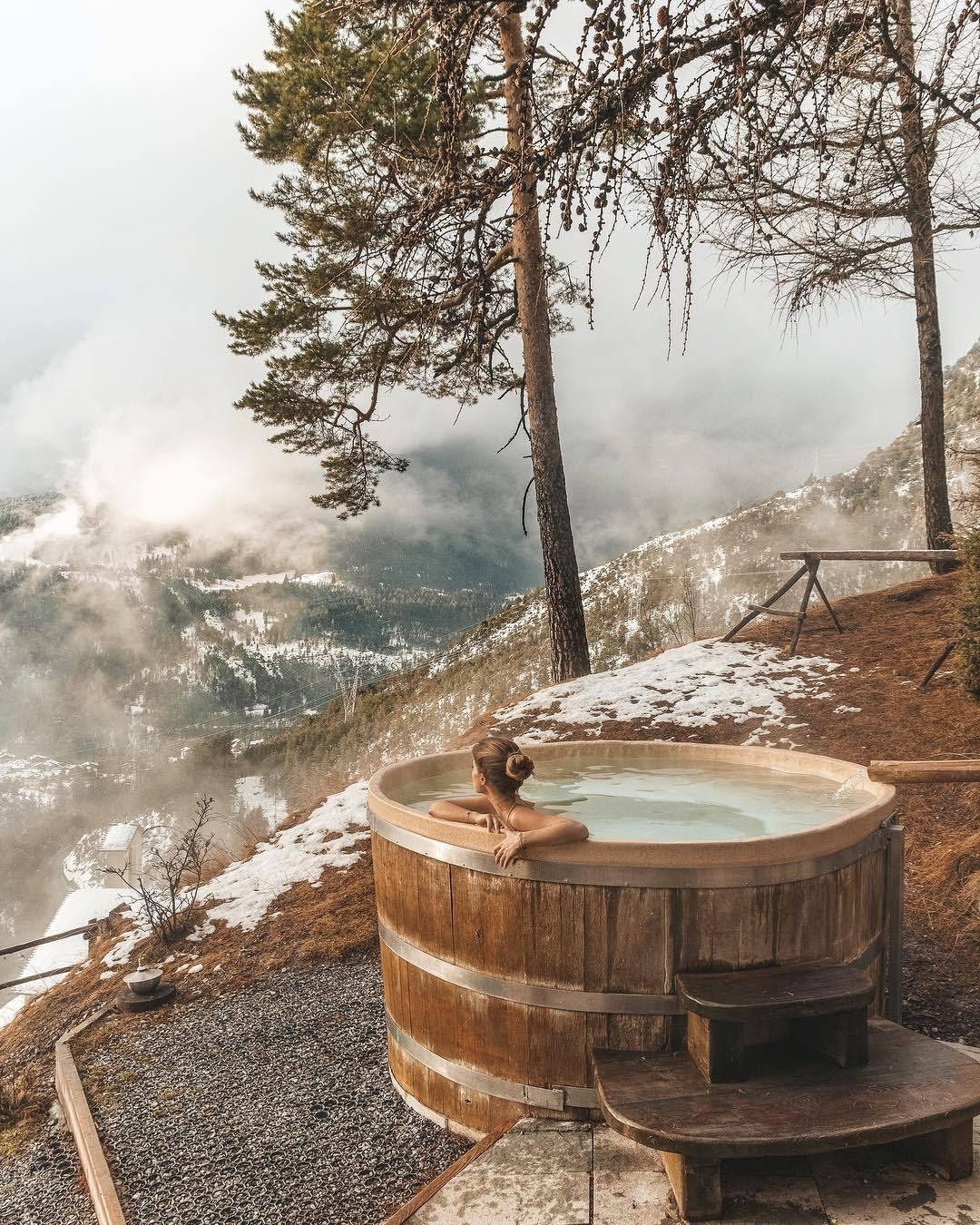 """wild-cabins: """"Vᴀʟᴇɴᴛɪɴᴀ Mᴀʀᴢᴜʟʟᴏ """""""