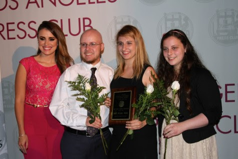 Press Club Board Member Carolina Sarassa, Former Online Editor-in-Chief Christopher Bower, Former Print Editor-in-Chief Natalie Moore and Print Editor-in-Chief Ilana Gale stand with the first place plaque after the winner for Best High School Newspaper was announced. Photo from the Los Angeles Press Club