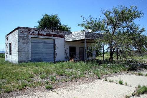 abandoned service station in san jon, new mexico