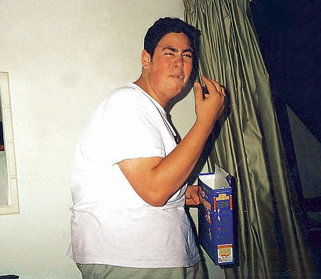 Simon in Ibiza aged 19 ¿ he put weight back on at university
