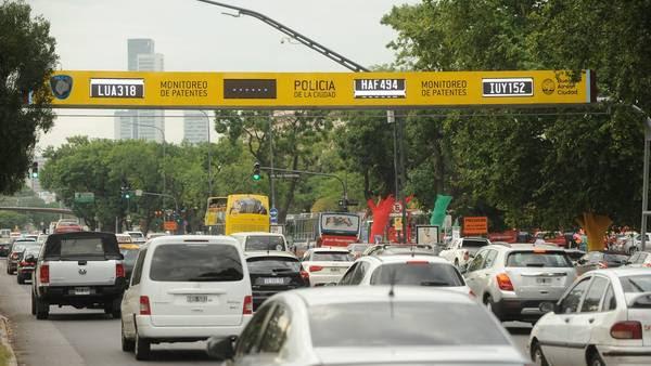 Libertador y Ayacucho. El sistema está a prueba y sumarpan en otros puntos de la Ciudad. Foto: Guillermo Rodriguez Adami