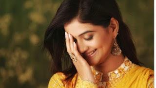 Kashmira Kulkarni Marati Telugu movie Actress photos 2016