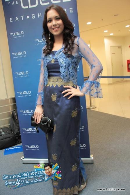 Siti Saleha Blue Kebaya