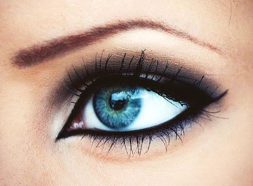 Best eyeshadow for blue eyes 7 plus