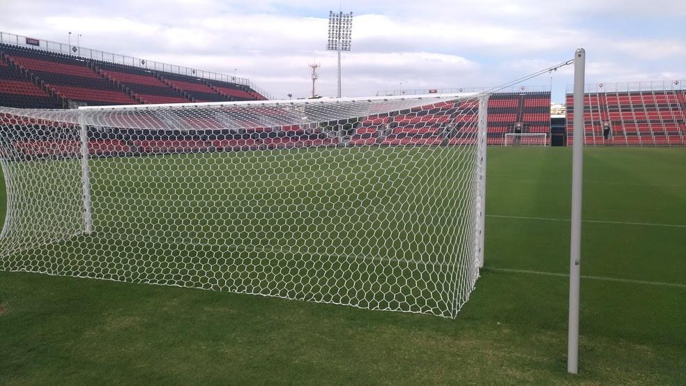 Torcedor ficará bem perto do campo na Arena do Flamengo (Foto: Vicente Seda)