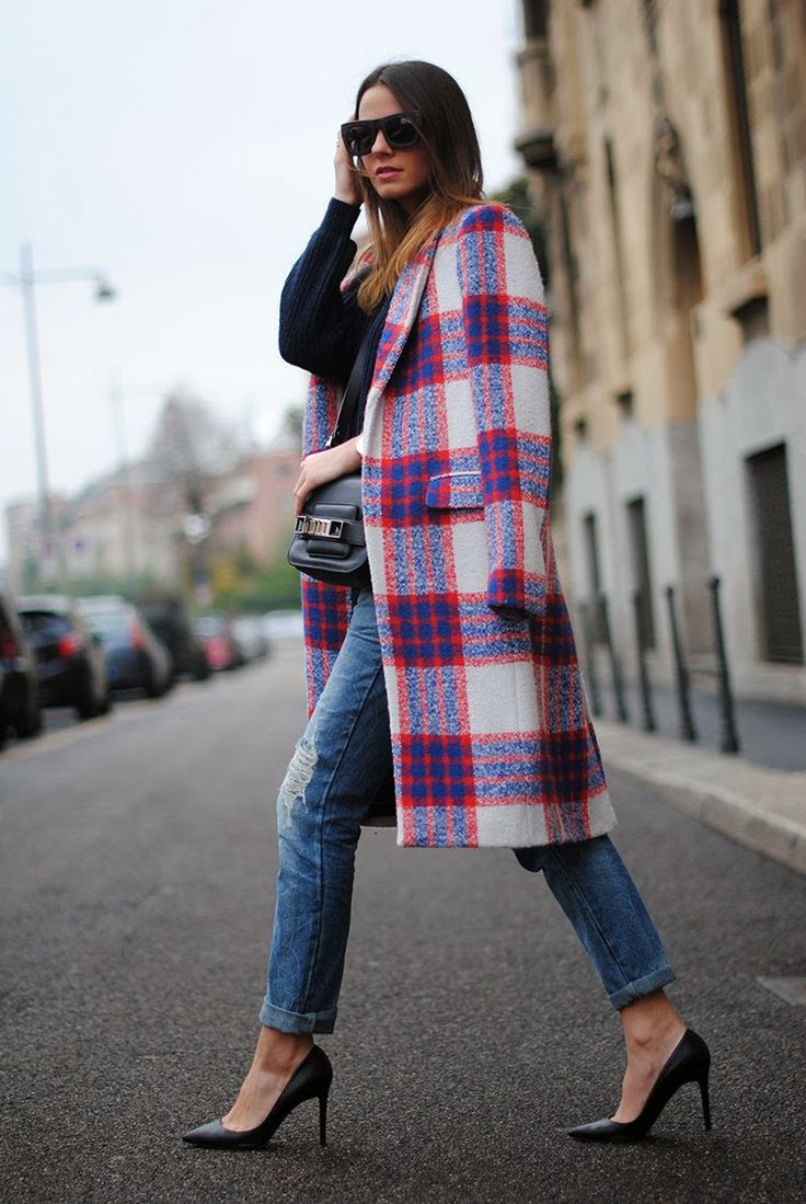 Plaid coat #fashion #style #woman