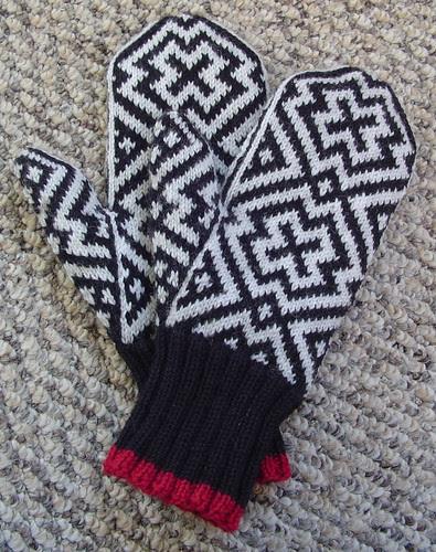 Sage's hat and mitten set - mittens