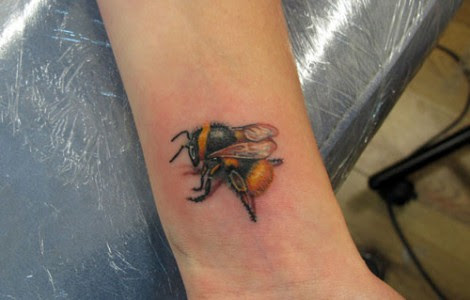 Bumble Bee Tattoos Meaning Tattoos Designs Ideas