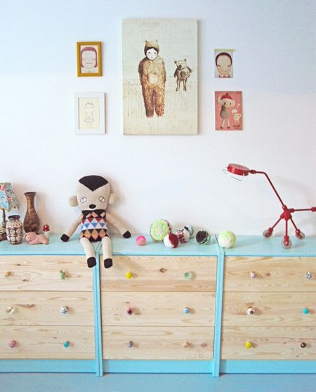 Kids' Toy Storage: Multiple Painted Three-Drawer Dressers Offer a Playful Coloured Option   decoralia.es   House & Home