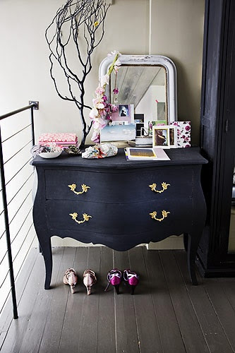 Great entrance way. Imagining throwing the house keys on this classic dresser.