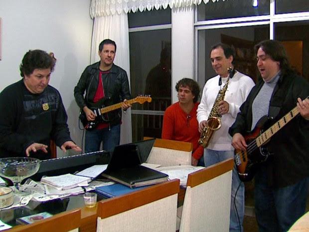 A Banda Doce Veneno comemora os 36 anos no Sesc São Carlos.  (Foto: Reprodução/EPTV)