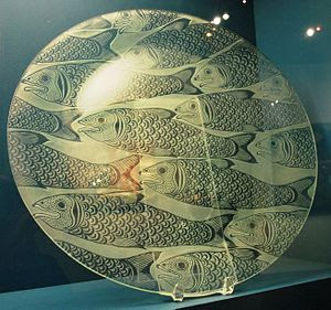 English: Etched glass plate with fish design f...