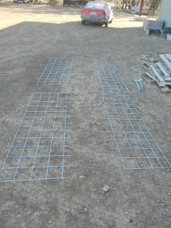 Pig fence cattle panel cut in pieces
