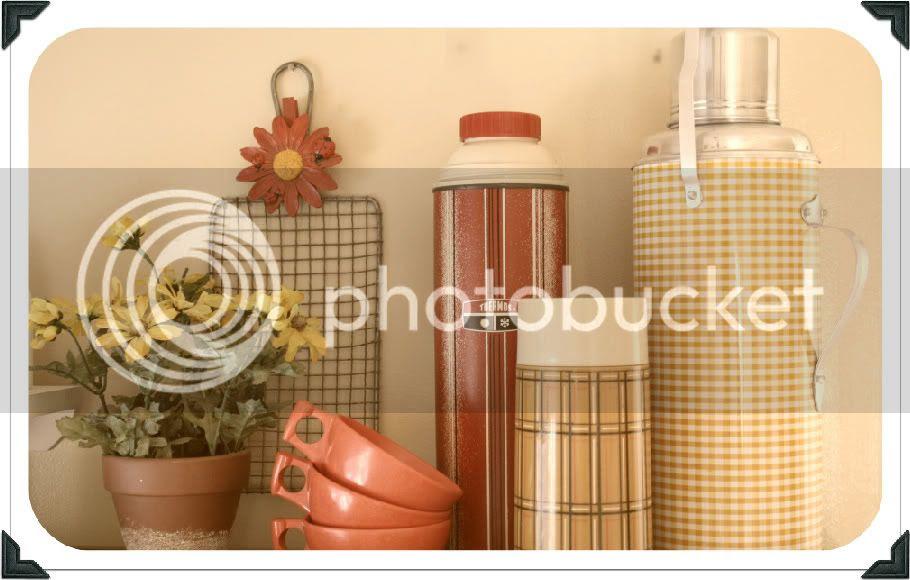 summer decor, daisies, vintage kitchen