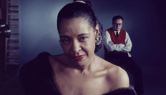 En 1958, un año antes de morir, en una sesión de fotos con Ray Ellis, líder de la Ellis Orchestra