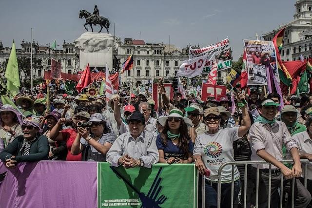 Grande marcha em Lima em Defesa da Mãe Terra