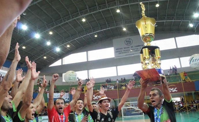 Trindade é o campeão da Copa TV Grande Rio (Foto: Amanda Lima)