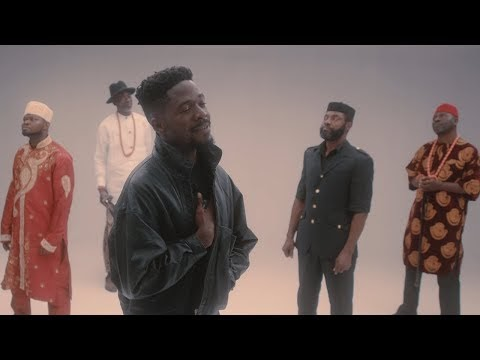 "Johnny Drille – ""Papa"" (Vídeo Oficial)"