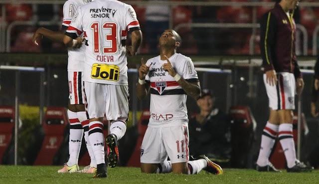 Ufa! Com gol de Wesley, São Paulo se distancia do Z4