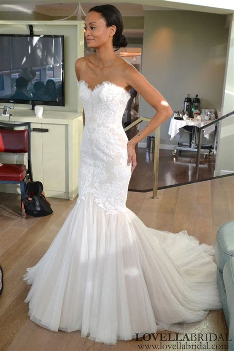 25  best ideas about Weird Wedding Dress on Pinterest