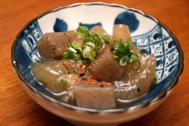 Stewed beef tendon with Devil's tongue