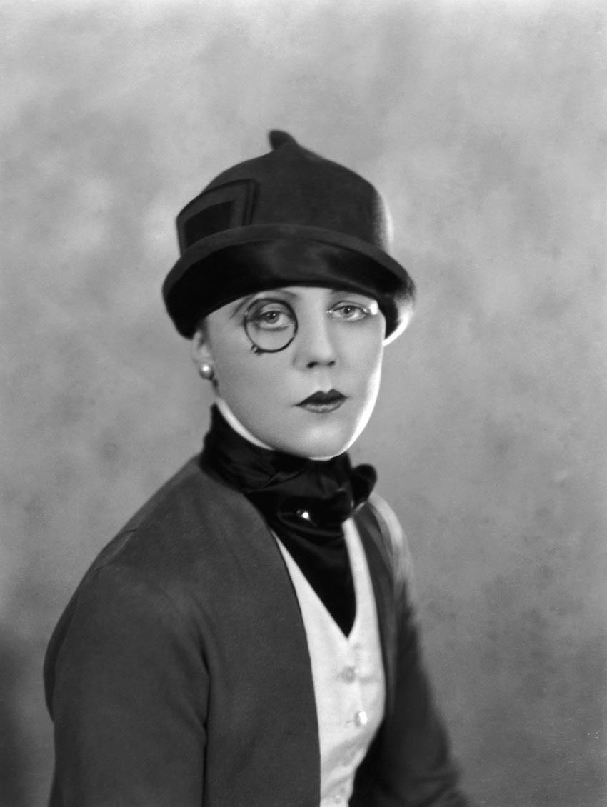 castaroundvintage:  Edna Best, 1925. Alex Stewart 'Sasha'.