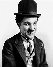 """Chaplin dengan kostum """"The Tramp"""""""
