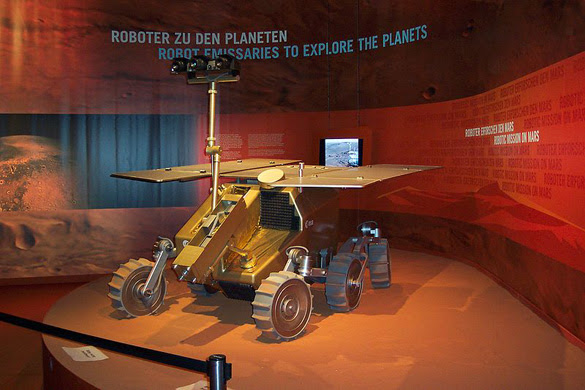 ExoMars model at ILA 2006 (Berlin) (Credit: Thomas Hagemeyer/Wikimedia Commons)