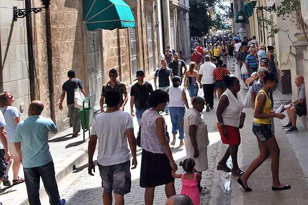 Dos turistas chilenos figuran en la lista de contagiados de cólera en Cuba