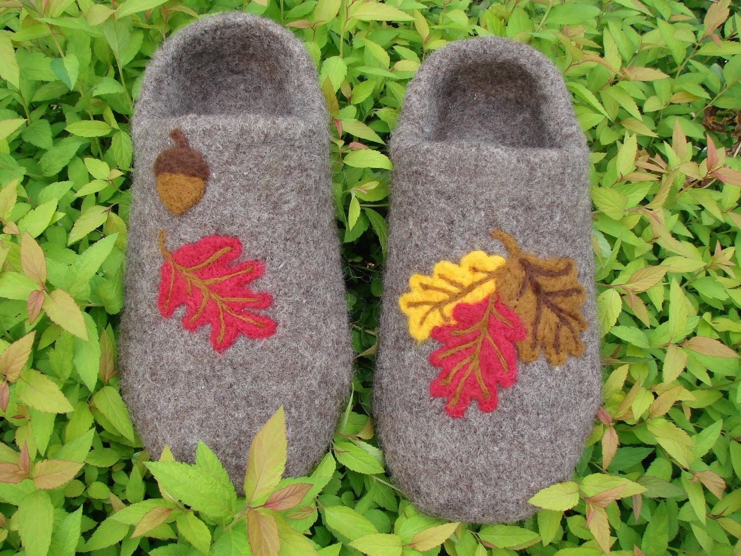 Felted Slipper-Clogs with Autumn leaves - CCKITTENKNITS