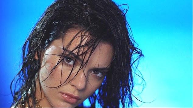 Aquele olhar: olhos castanho chocolate de Kendall eram hipnóticos em seu olhar