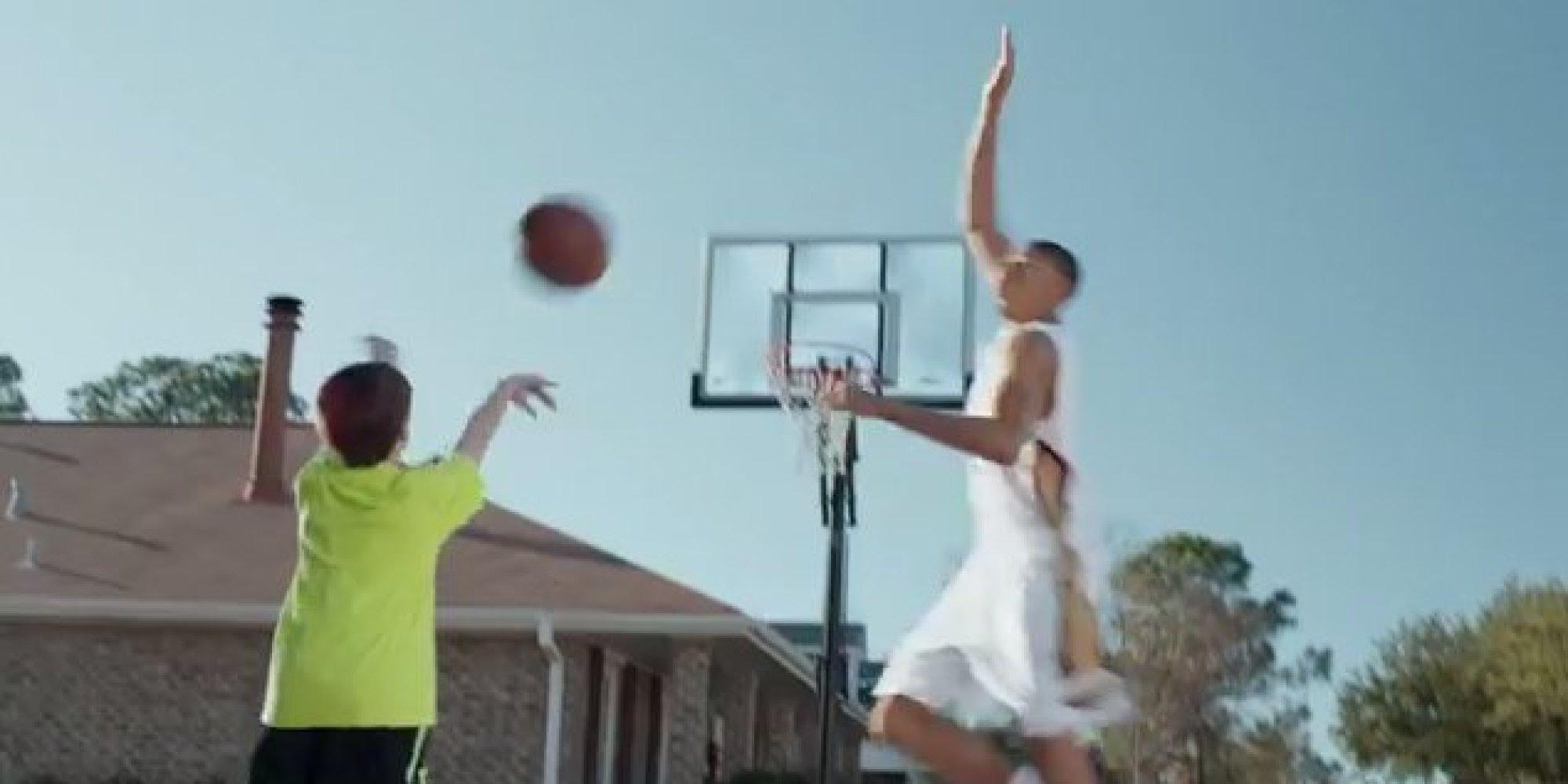 Anthony Davis Blocks Kid's Shot In New Kids Foot Locker ...