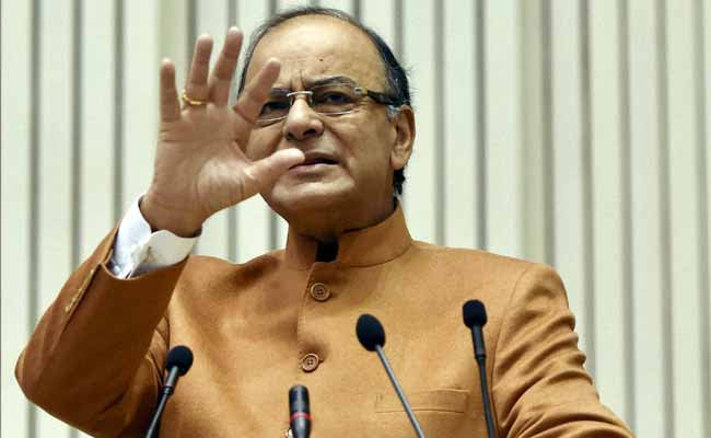 Ex-Servicemen Stage Protest Outside Arun Jaitley Residence