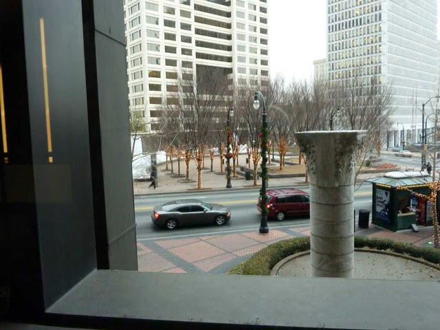 P1050737-2010-12-15-Woodruff-Park-Fountain-Atlanta-Frozen-from-Equitable-mezzanine-2