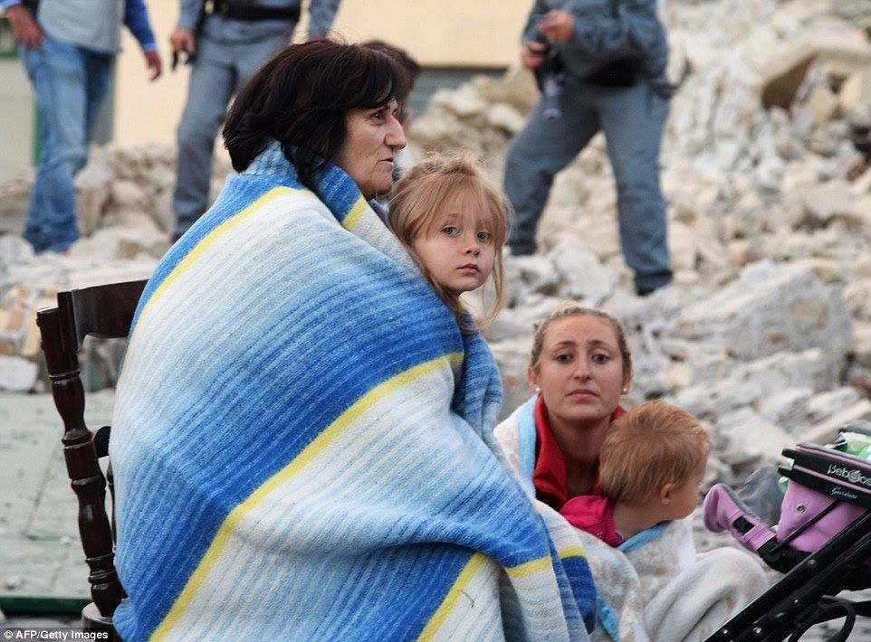O tremor centrada em perto da cidade de Rieti, mas ondas de choque viajou até Roma 100 milhas de distância