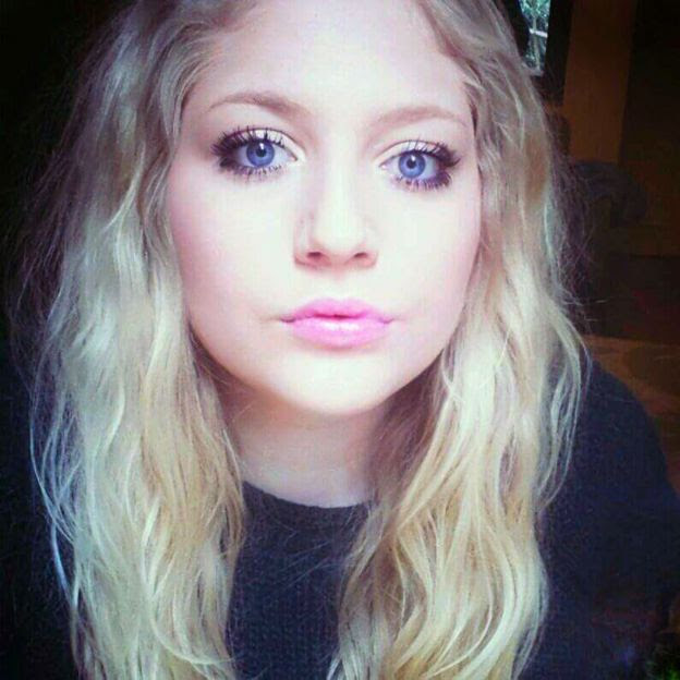 Alanah selfie