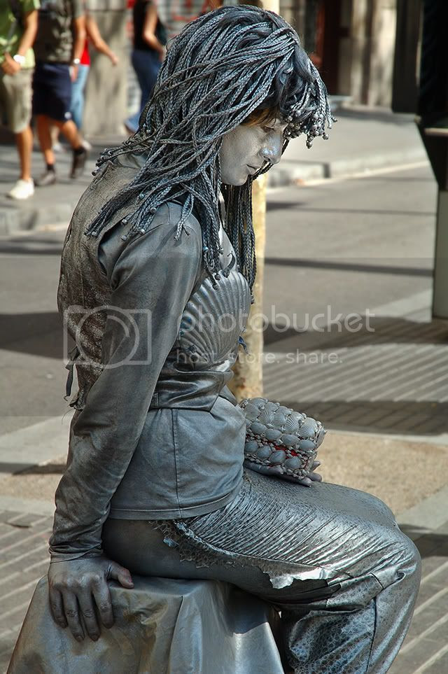 Mermaid Human Statue in Las Ramblas, Barcelona [enlarge]