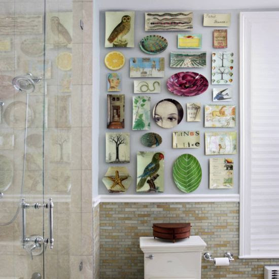 Unique bathroom wall decor with artwork