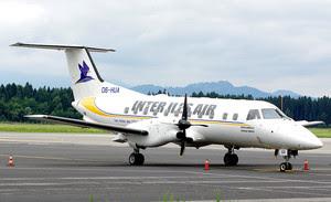 Inter Îles Air Embraer 120ER D6-HUA