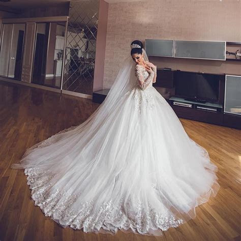 Vintage Wedding Dresses Ball Gown Lace Long Sleeves
