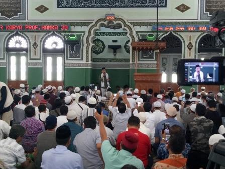 Sebarkan!!! Gemuruh Takbir Menggema di Masjid Al-Azhar: Bebaskan Al Aqsa!
