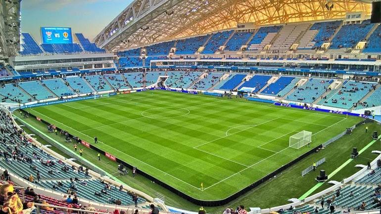 Χτίστηκε εξαιτίας των Χειμερινών Ολυμπιακών Αγώνων (2014) και το 2016 ανακατασκευάστηκε και έγινε ποδοσφαιρικό γήπεδο, ώστε να φιλοξενήσει το Κύπελλο Συνομοσπονδιών το 2017, καθώς και το φετινό Παγκόσμιο Κύπελλο. Χωράει 47.659 θεατές και εκεί θα διεξαχθούν αγώνες των ομίλων και ένας προημιτελικός. Διαθέτει απίστευτη ακουστική.