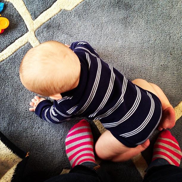 This little stinker wants to crawl so bad. #cedarcedar