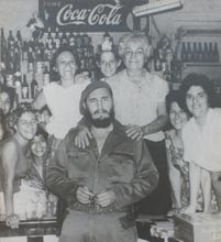 Fidel en la tienda La Tuya en Camagüey, 1961