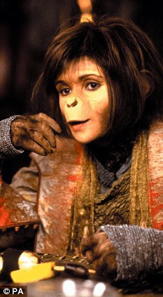 f Helena Bonham-Carter starring in film, Planet of the Apes (2001)