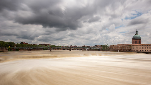 Crue de la Garonne by Patatitphoto