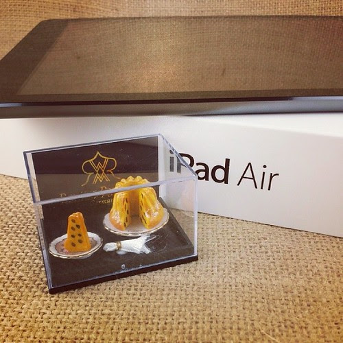 Hello, lover. iPad Air is so thin & light! $20 off @ Target (w doll house Bundt!)