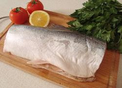 Рыба запеченная с помидорами