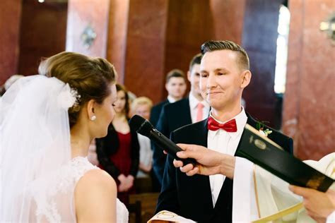 Wedding Ceremony Script Samples That'll Leave You Spellbound