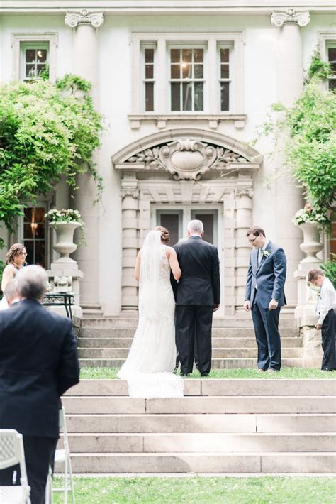 An Inspiring Liriodendron Mansion Wedding   Jillian
